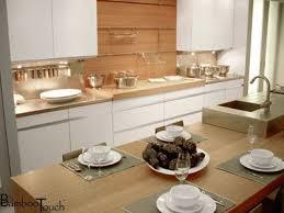 plan de travail bois cuisine cuisine blanche et bleue cuisine plan travail bois dosseret laquee