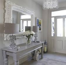 einrichtung flur shabby deko flur einrichten großer spiegel mit weißer rahmen