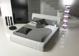 wohnideen minimalistische schlafzimmer stunning bett mit minimalistisch grauem design bilder ideas