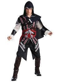 red cape spirit halloween amazon com assassin u0027s creed ezio deluxe costume clothing