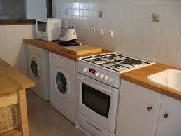 machine a laver dans la cuisine moulin des deux cascades