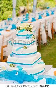 mariage bleu et blanc banque de photographies de gâteau arrangement tableau dehors
