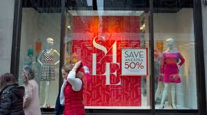 banana republic sued for allegedly deceptive discount signs