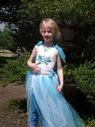 Halloween Elsa Costume 20 Awesome Diy Elsa Costume Tutorials Girls