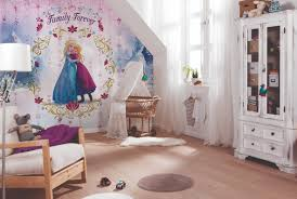 frozen behang google zoeken slaapkamer kids pinterest transform your room with this stunning disney frozen family forever photo wall mural the mural features anna and elsa on a decorative pink background