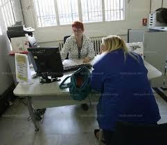 bureau de poste ouvert samedi vaucluse la poste veut en finir avec les files d attente