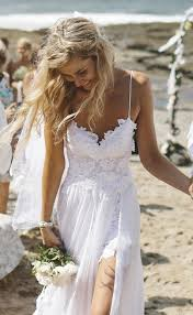 Destination Wedding Dresses 20 Breathtaking Beach U0026 Destination Wedding Dresses Weddingsonline