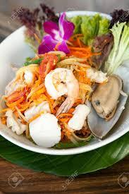 cuisine thailandaise traditionnelle plat traditionnel de la cuisine thaïlandaise fraîchement préparé