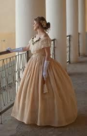 robe de mariã e civil robe de bal vers 1862 jupe en soie et tulle avec motifs de