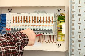 fuse boxes and different types of fuses