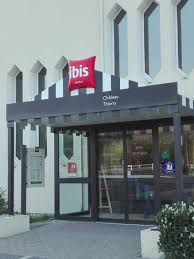 hotel in essomes sur marne ibis chateau thierry ibis chateau thierry ch 109 crasse sur gonds fenêtre picture of