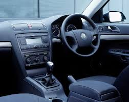 skoda octavia hatchback review 2004 2012 parkers