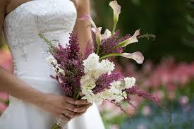 wedding flowers budget cheap wedding flowers for a budget wedding bridal hacker
