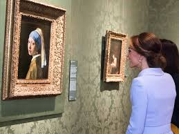pearl earring painting kate middleton views girl with a pearl earring at museum