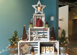 home and garden christmas decoration ideas last minute and small space holiday decorating ideas garden club