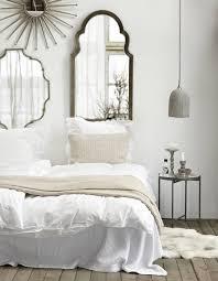 chambre blanc et taupe chambre blanche en idees meubles et decoration beige blanc