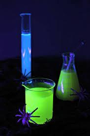 Black Light Halloween Party by 648 Best Crafts Halloween Images On Pinterest Halloween Recipe