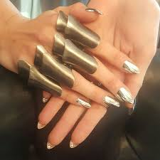 want to know what 2000 nails look like nail that accent