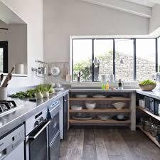 cuisine de r黐e hameau familial sur l ile de ré maison couleurs vacances et