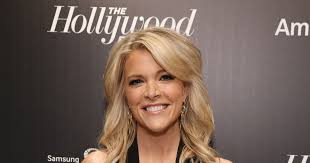 megan kellys hair styles the internet freaks out over megyn kelly s new haircut extratv com