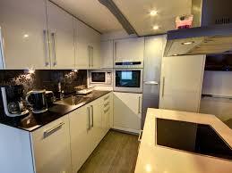 cuisine entierement equipee location vacances maison auray maison de pecheur ty sauveur au