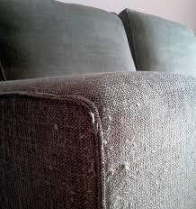 gatti divani gatto si fa le unghie su divano e copridivano antigraffio gatto