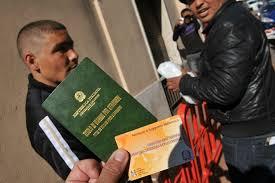 permesso di soggiorno stranieri i nuovi importi per il rilascio rinnovo permesso di soggiorno