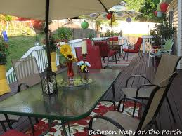 How To Decorate Decks And Patios Decorate Your Deck For Summer Parties And Cookouts