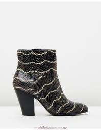 womens desert boots nz cheap zealand outlet store clarks originals phenia desert