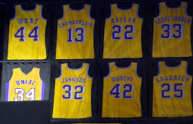 lakers acknowledge error in shaquille o u0027neal u0027s retired jersey