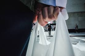 Even Bill Would Check Out - cuomo s new bill would ban plastic bags in new york by next year 6sqft