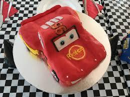 lightning mcqueen birthday cake creating car s lightning mcqueen birthday cake feeding a crowd