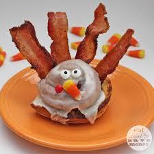 breakfast thanksgiving cinnamon roll turkeys for thanksgiving breakfast