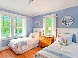 chambre a deux lits chambre à coucher chambre deux lits idee chambre à coucher adulte