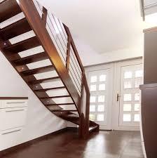 led treppe wangentreppe mit led len aus buche nussbaum gebeizte oberfläche