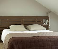 tapisser une chambre comment tapisser une chambre 9 lit avec rangement faire soi meme