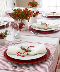 simple christmas table settings 40 diy christmas table decorations and settings centerpieces