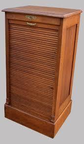 meuble bureau ancien classeur de bureau ancien fermant par un volet coulissant