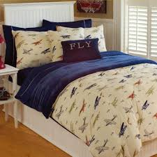Plane Themed Bedroom by Awesome Airplane Bedroom On Thro Vintage Airplanes Bedding