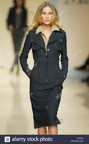 dark hair with grey models max mara milan autumn winter model shoulder length blonde hair