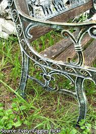 Best Way To Paint Metal Patio Furniture How To Clean And Refinish Metal Patio Furniture