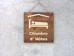 chambre d hote en pancarte logo chambre d hôtes en bois pancarte hotes et en bois