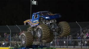 monster truck bigfoot video bigfoot monstertruckthrowdown com the online home of monster
