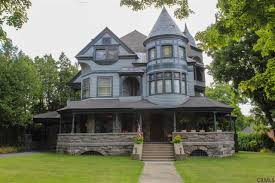 Victorian Houses by 10 Victorian Homes To Swoon Over For Valentine U0027s Day Zillow