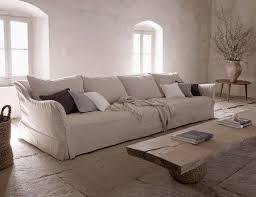 housse canapé blanc une maison authentique aux teintes naturelles de