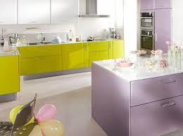 meuble cuisine vert anis cuisine vert anis et bleu lavande une harmonie couleurs