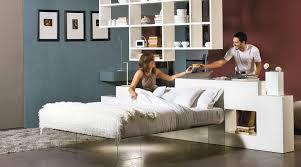 bett im wohnzimmer einrichtungsideen für minimalistische schlafzimmer freshouse