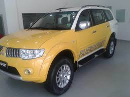 mitsubishi pajero old model mitsubishi pajero sport with dual tone paint brings cheer