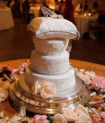 cinderella wedding cake cinderella wedding cake ideas knot for