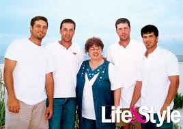 did you see duck dynasty pic duck dynasty without beards robertson boys didn t always